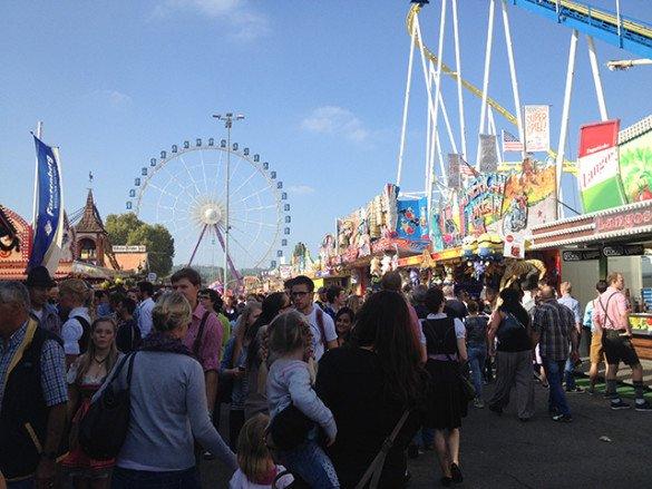 Oktoberfest Stuttgart 34 585x439 - Oktoberfest de...Stuttgart