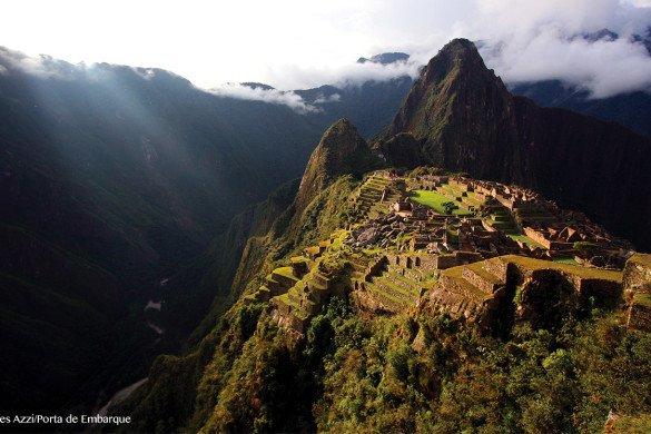 Machu-Picchu-Peru-luz