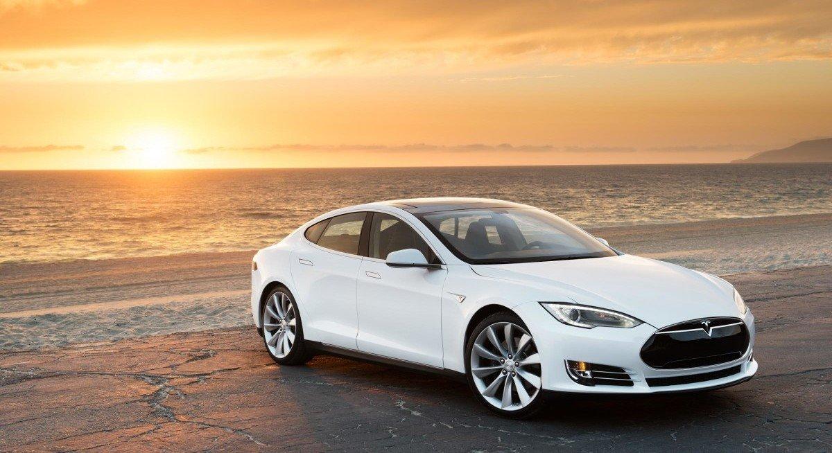 Tesla S 2