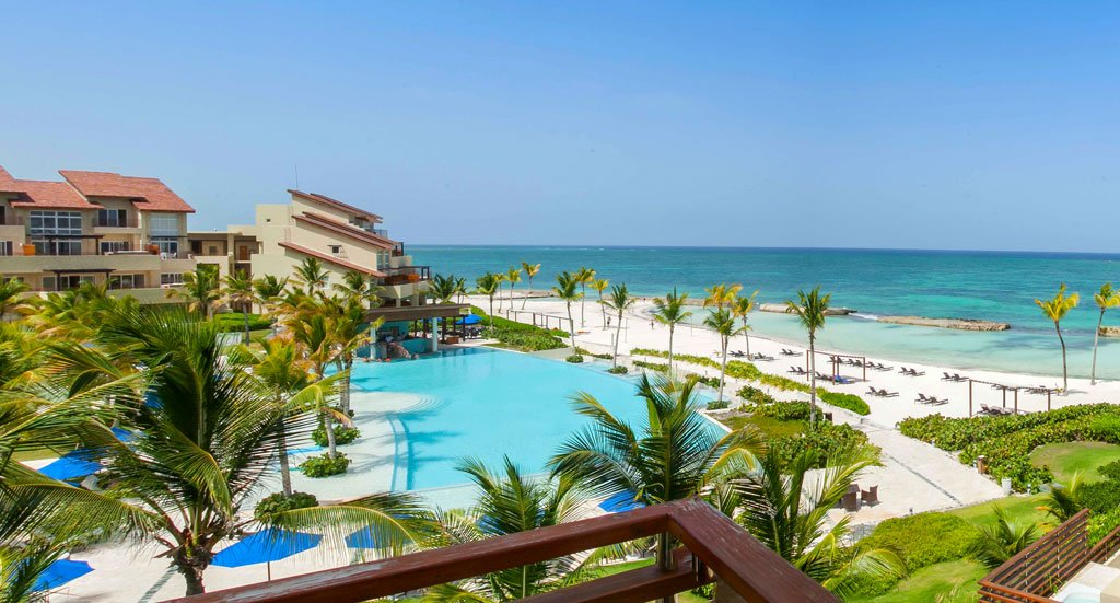 Alsoldel_mar_Piscina_Ocean_View_Balcony_Punta_Cana