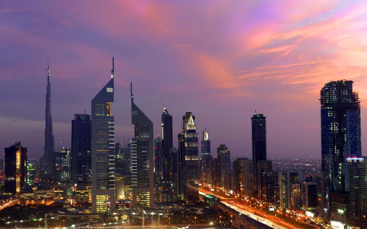 DUBAI LANDMARKS - Emirates Towers