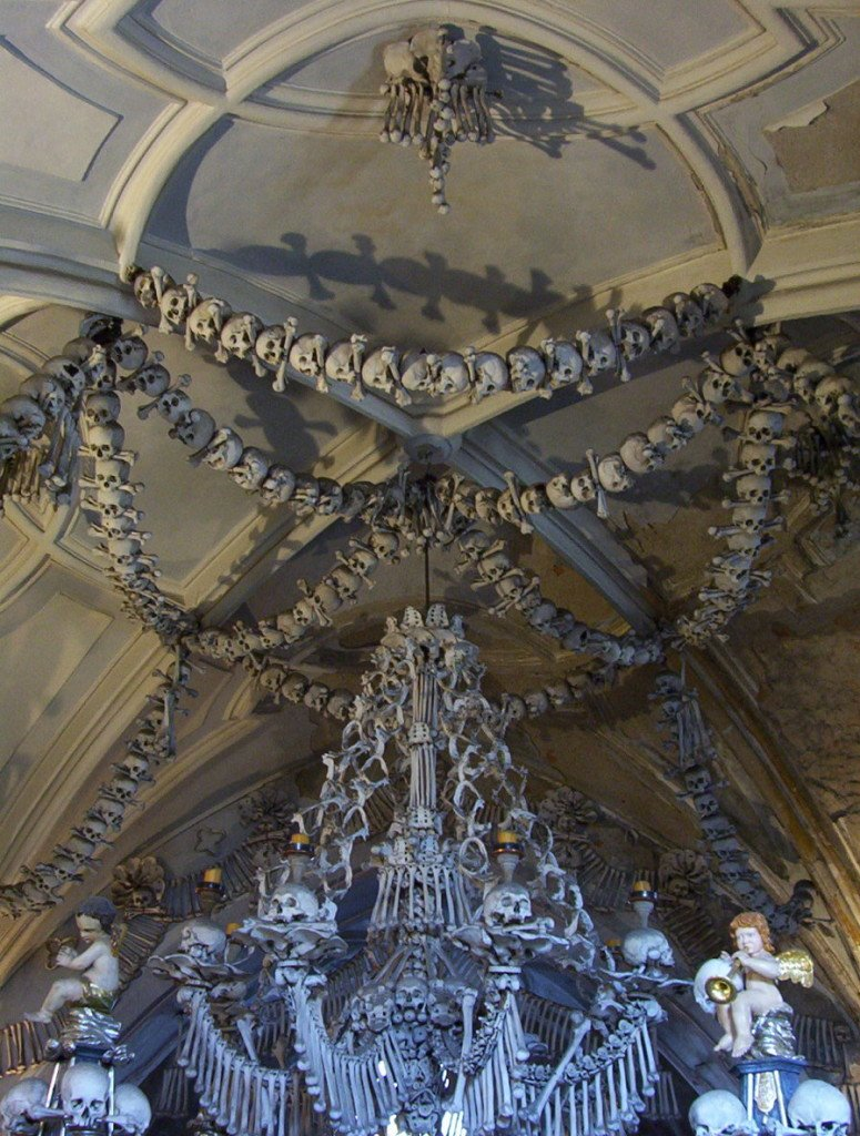 kutna-hora-ossos