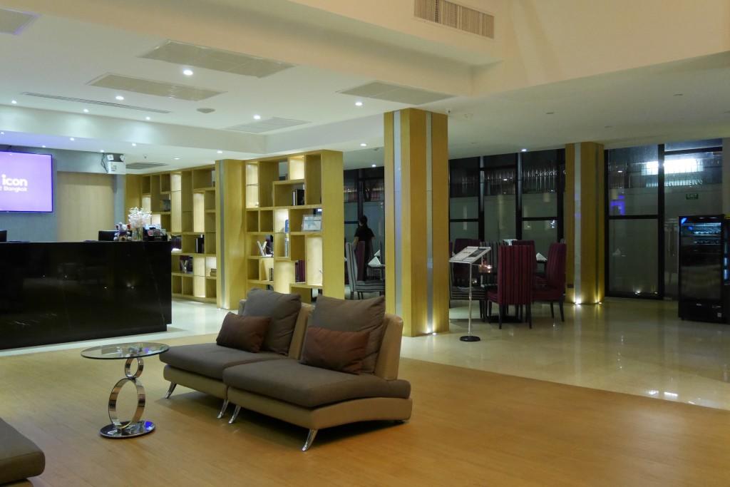 Hall do hotel Icon Bangkok, Tailandia