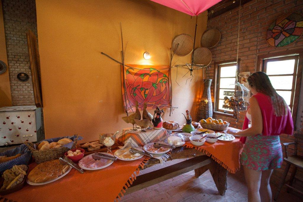 Café da manhã no restaurante da pousada Vizinho das Estrelas