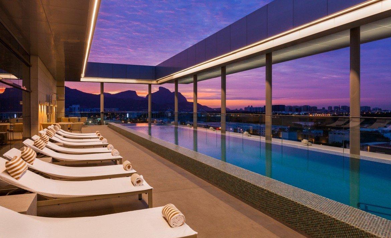 Hilton Barra Rio de Janeiro Pool 1043425 Divulgação e1478308265145 1170x713 - Fique no Hilton do Rio e de São Paulo por US$ 84 a diária