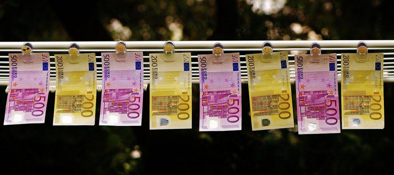 money 1520866 1280 e1479768161493 1170x521 - Desconto para comprar dólar, euro ou libra