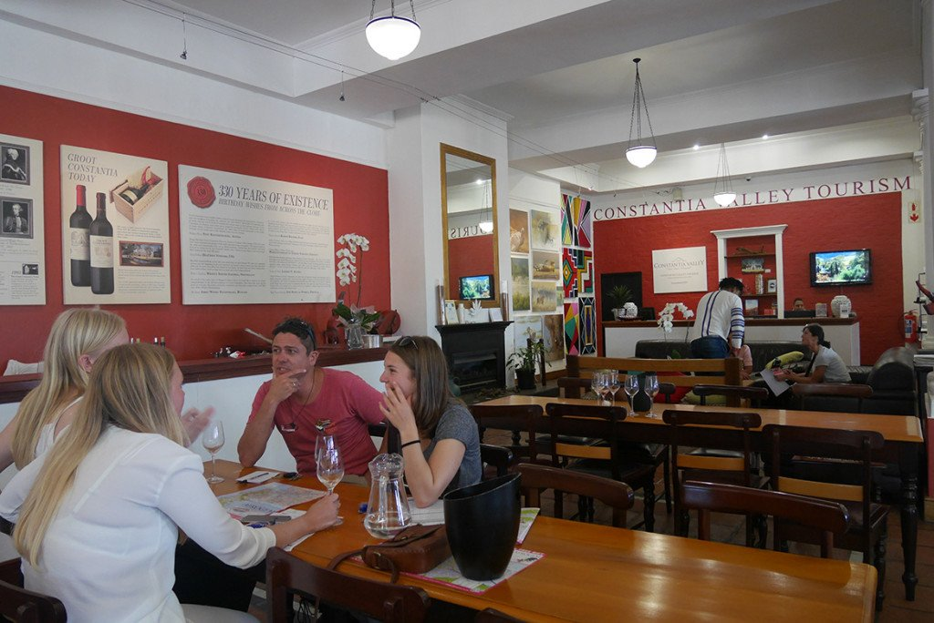 Degustação na vinícola Groot Constantia, perto de Cape Town