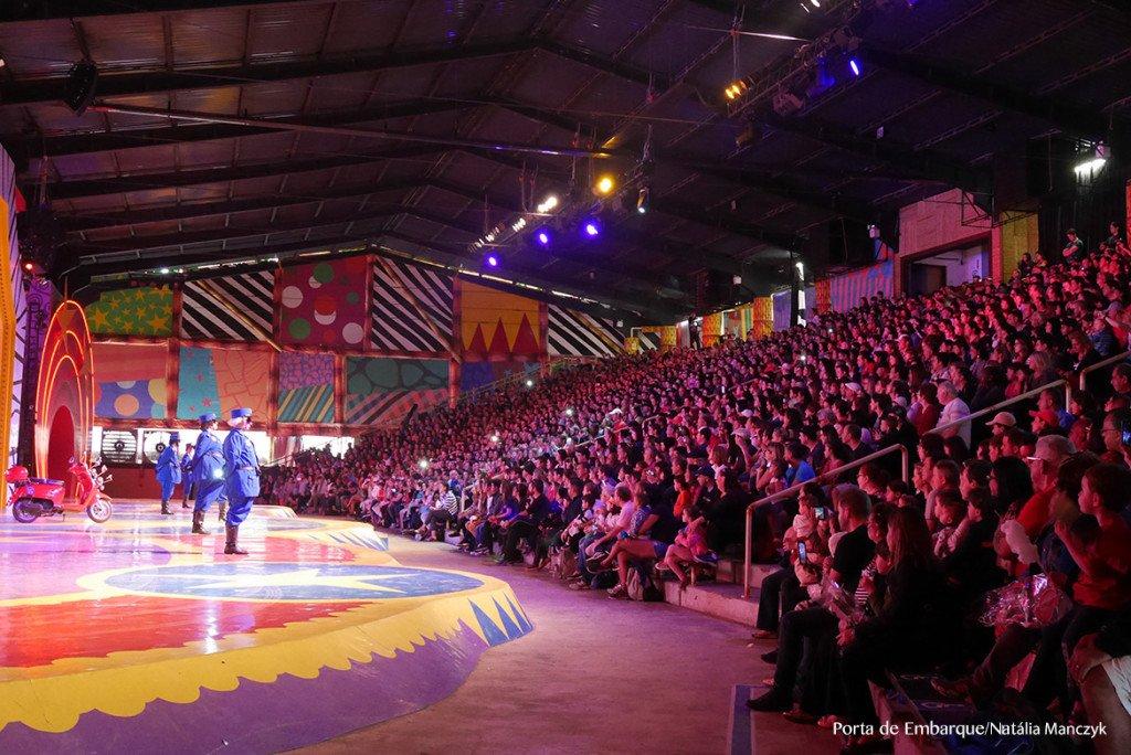 O auditório do show do Madagascar é imenso!