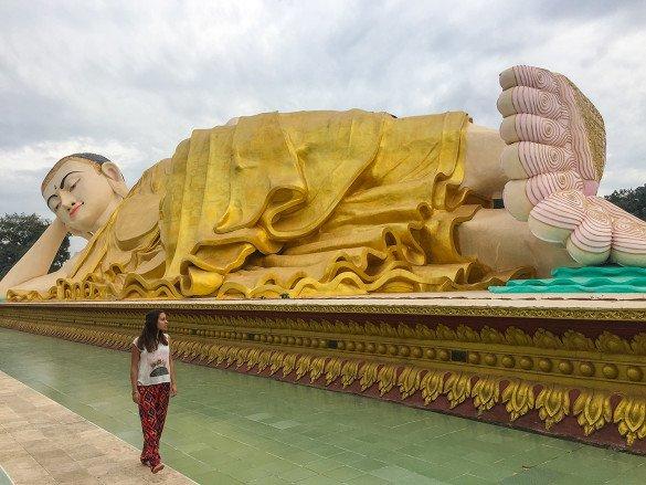 Bago33 1 585x439 - Como chegar na pedra dourada de Myanmar