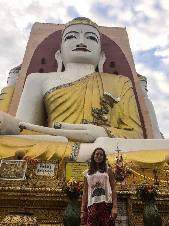 Bago41 585x780 - Como chegar na pedra dourada de Myanmar