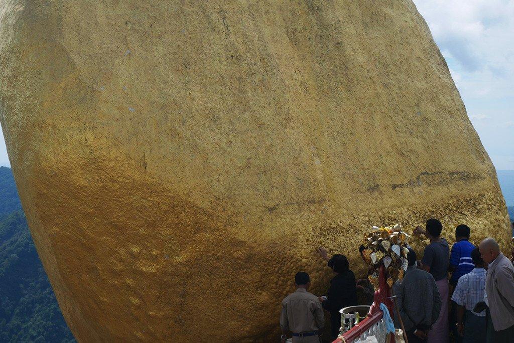 Passeio da pedra dourada de Myanmar, Yangon