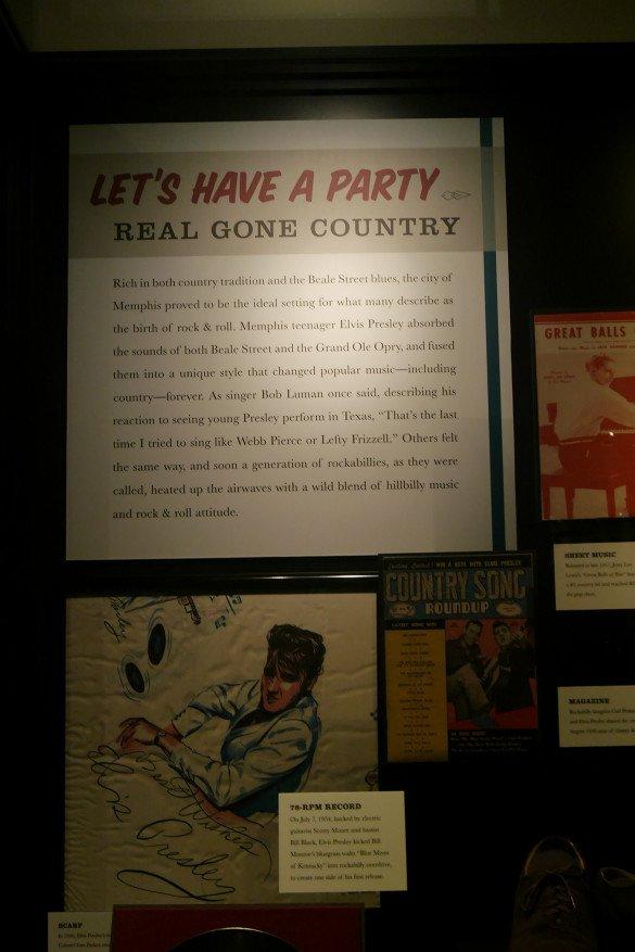 Country Music Hall of Fame Nashville09 585x877 - O que fazer em Nashville, a cidade do country