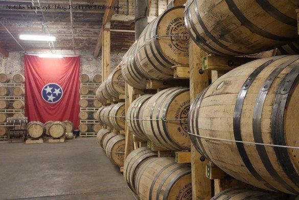 Nelsons Green Brier Destillery Nashville13 1 585x391 - O que fazer em Nashville, a cidade do country