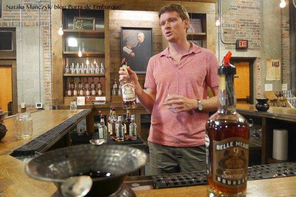 Nelsons Green Brier Destillery Nashville19 1 585x391 - O que fazer em Nashville, a cidade do country