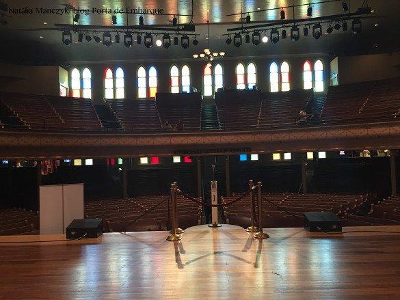 Ryman Auditorium Nashville10 585x439 - O que fazer em Nashville, a cidade do country