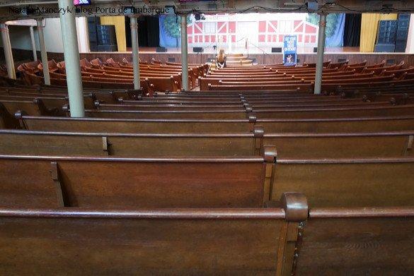 Ryman Auditorium Nashville15 585x391 - O que fazer em Nashville, a cidade do country