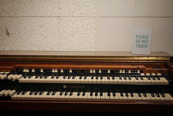 Studio B Nashville07 585x391 - O que fazer em Nashville, a cidade do country