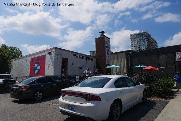 Peg Leg Nashville19 1 585x391 - O que fazer em Nashville, a cidade do country