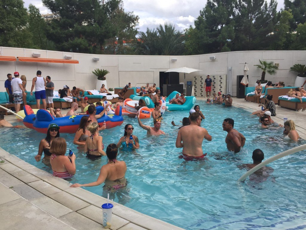 Pool party Liquid_hotel Aria Las Vegas_Caesars_21