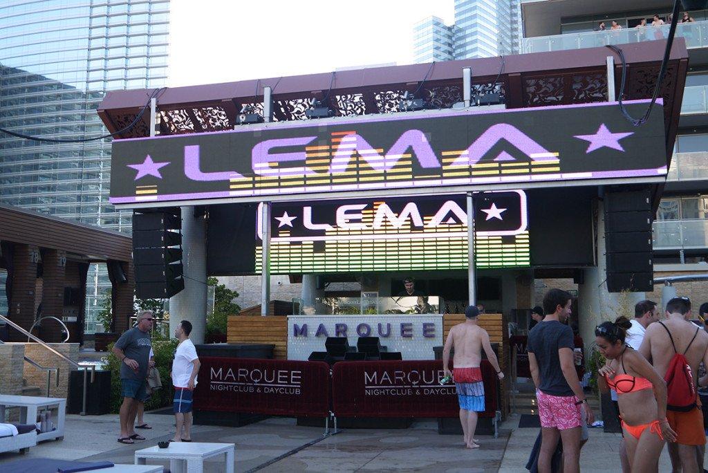 Pool party Marquee_Cosmopolitan Las Vegas_Caesars_01_1