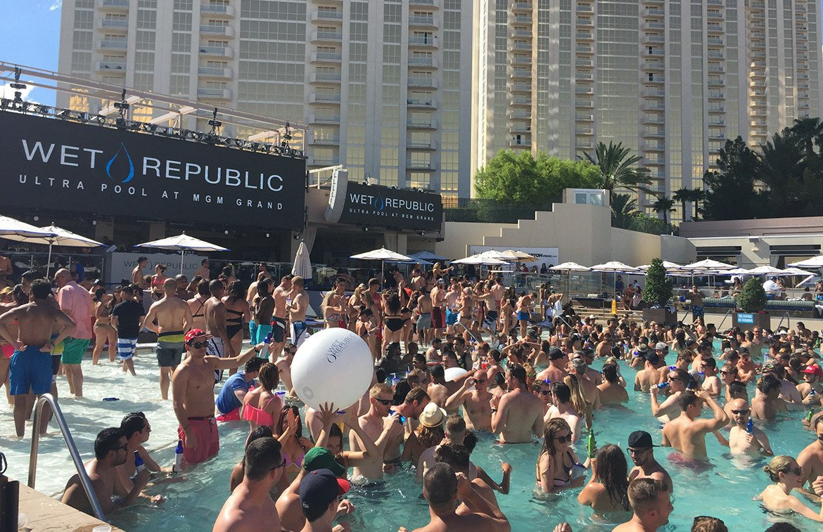 Pool party Wet Republic_hotel MGM Las Vegas_Caesars_04