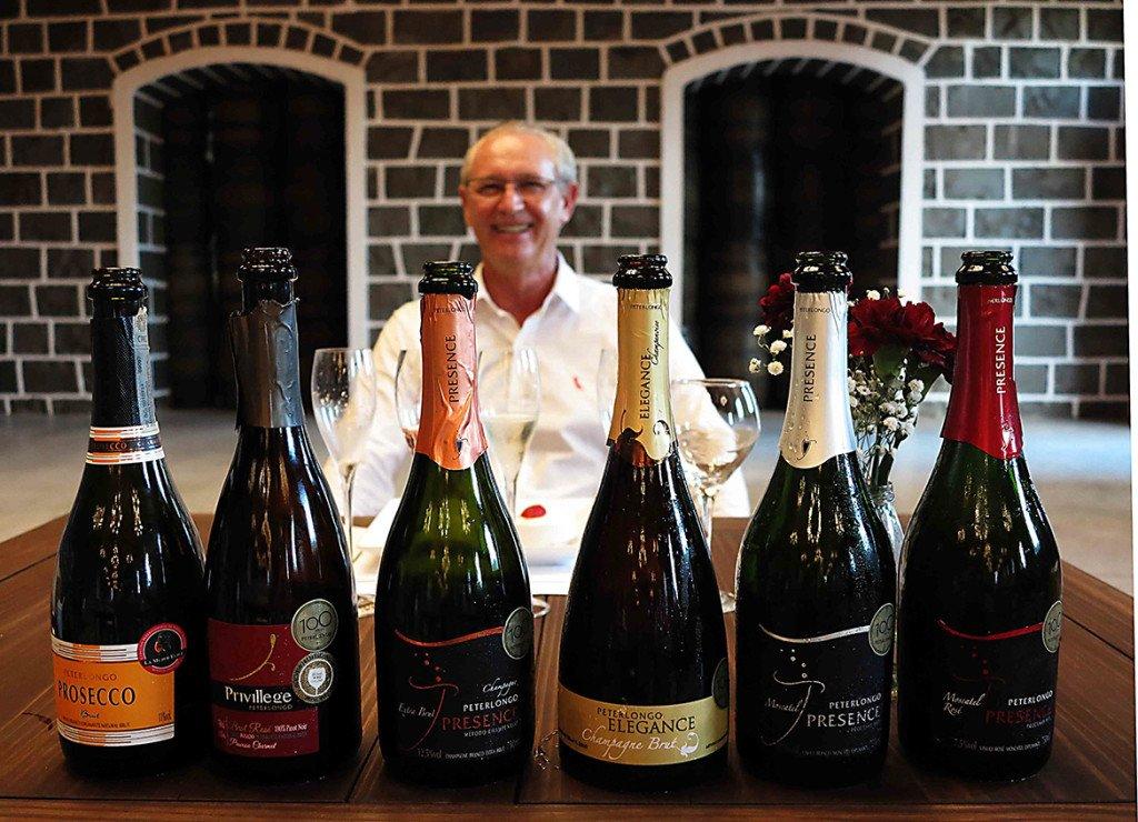 Luiz Carlos Sella, que comanda a Peterlongo_vinicola da serra gaucha que produz espumantes da serra gaucha