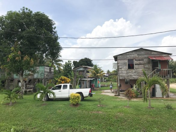 Belize 76_estrada