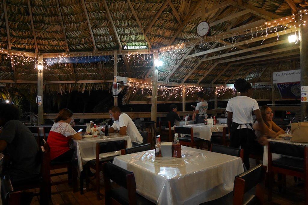 Belize03_Restaurante Birds Isle