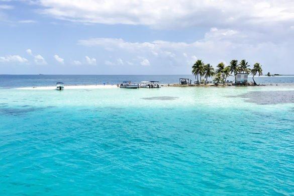 Belize Silk Caye3 e1509314949378 585x390 - Conheça Belize: o Caribe só para você!