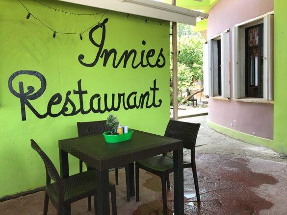 IMG 3849 1 585x439 - Praias de Belize