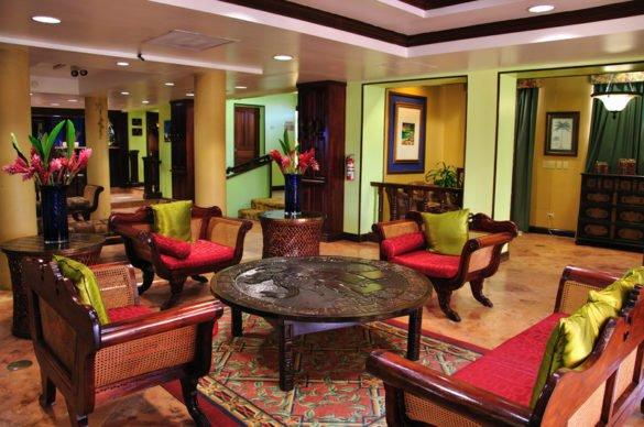 Lobby P 585x388 - Onde ficar em Belize