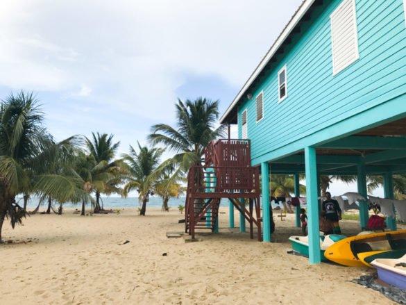 Praias de Belize Placencia2 7 e1510786810440 585x439 - Praias de Belize
