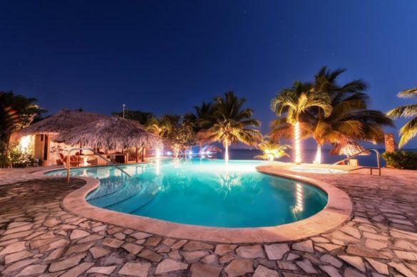 Jaguar Reef Lodge Onde ficar em Belize1 585x389 - Onde ficar em Belize