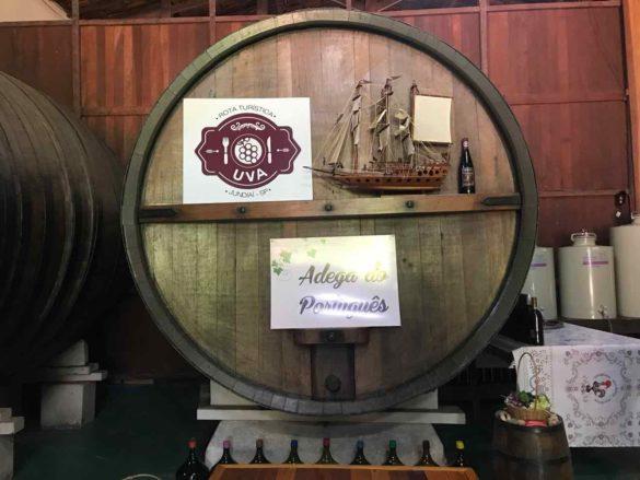 Rota da uva de Jundiaí Adega do Portugues 5 585x439 - Rota da uva de Jundiaí: para provar muito vinho perto de São Paulo