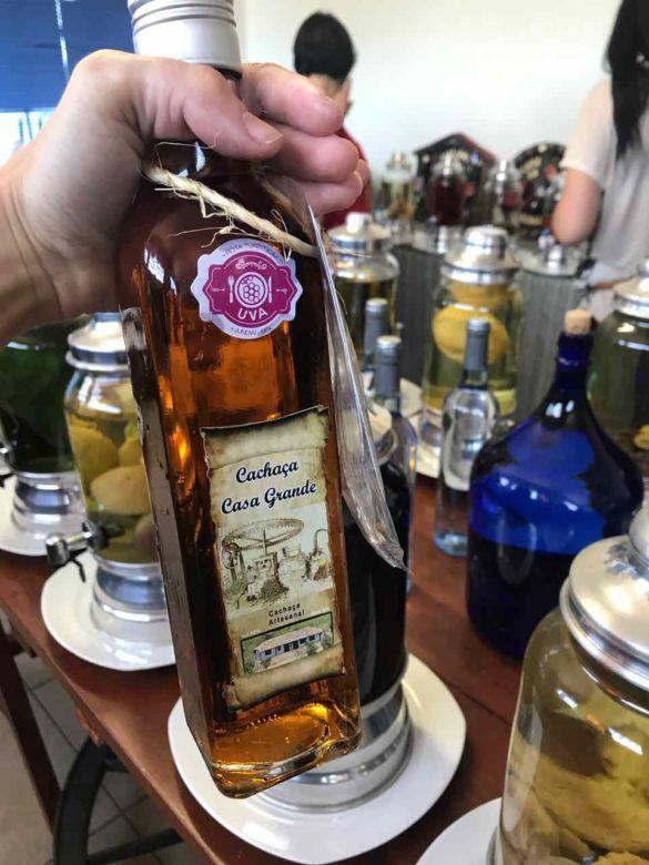 Rota da uva de Jundiaí cachacaria 2 585x780 - Rota da uva de Jundiaí: para provar muito vinho perto de São Paulo