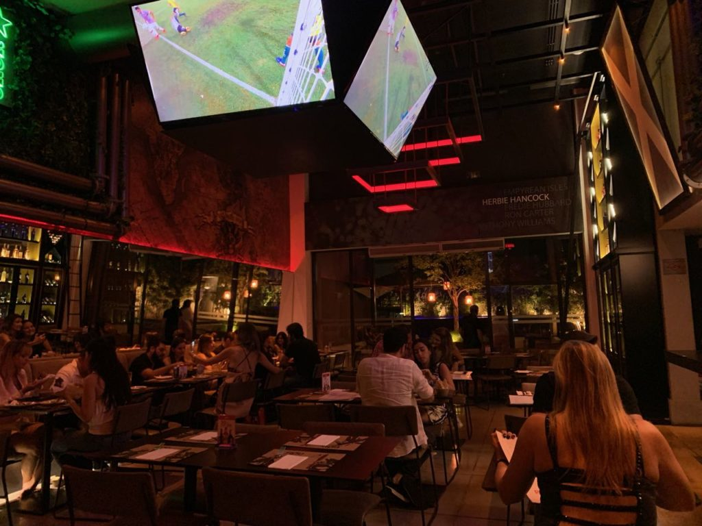 Bar do Radisson Red campinas