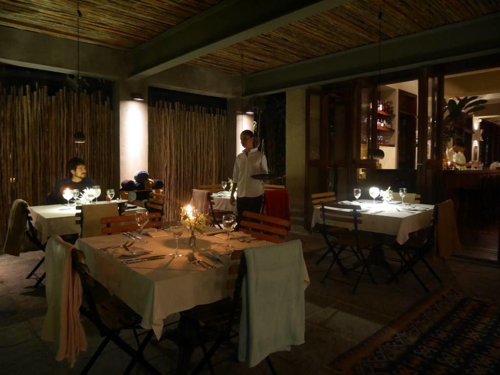 Ogan_restaurante em Cambuty