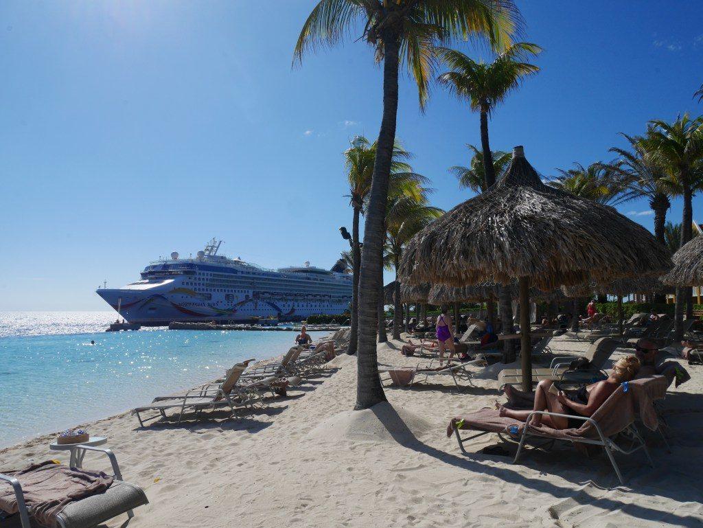 Piscina do hotel Renaissance-Dica d hotel em Curacao