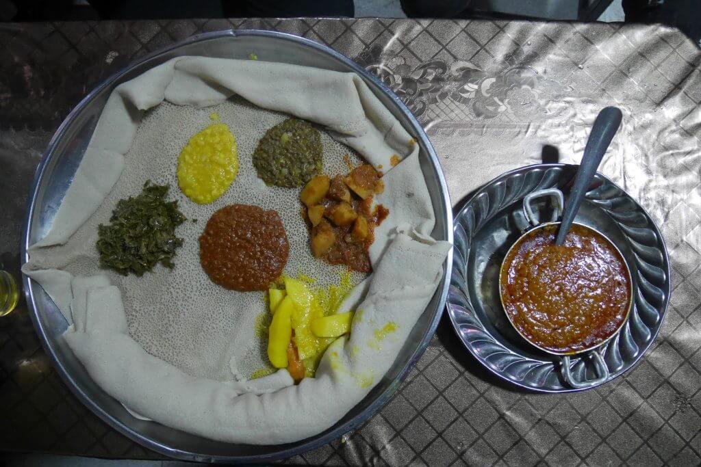 Injera, comida tipica de Adis Abeba