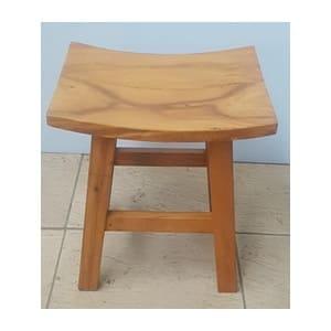aluguel de banquinho madeira