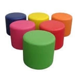 aluguel de puffs coloridos