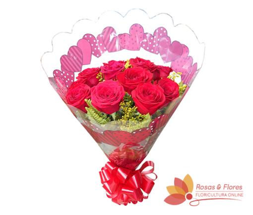 Buquê de Rosas Vermelhas no papel Celofane Floricultura Rosas e Flores RJ
