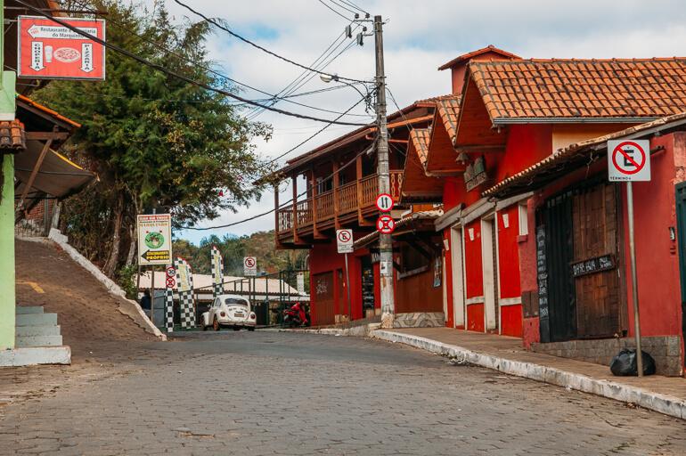 Rua principal do Vilarejo