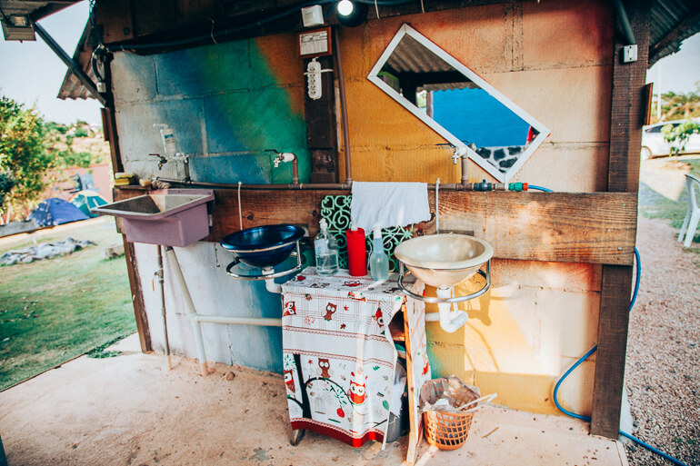 Tanque e lavabos - Camping Viveiro