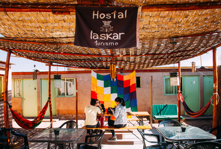 Área de convivência, Hostel Laskar | Viajando na Janela