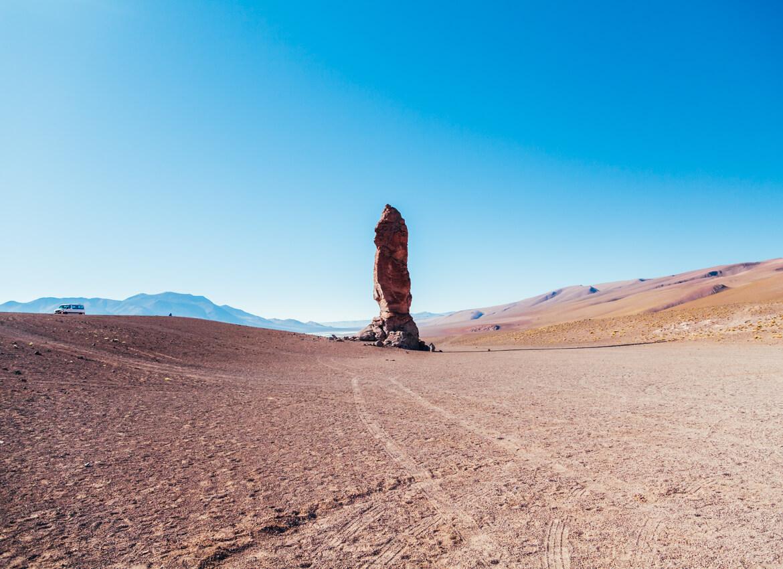 Um dos Monjes de La Pacana, com mais de 20 metros de altura, no Salar de Tara!