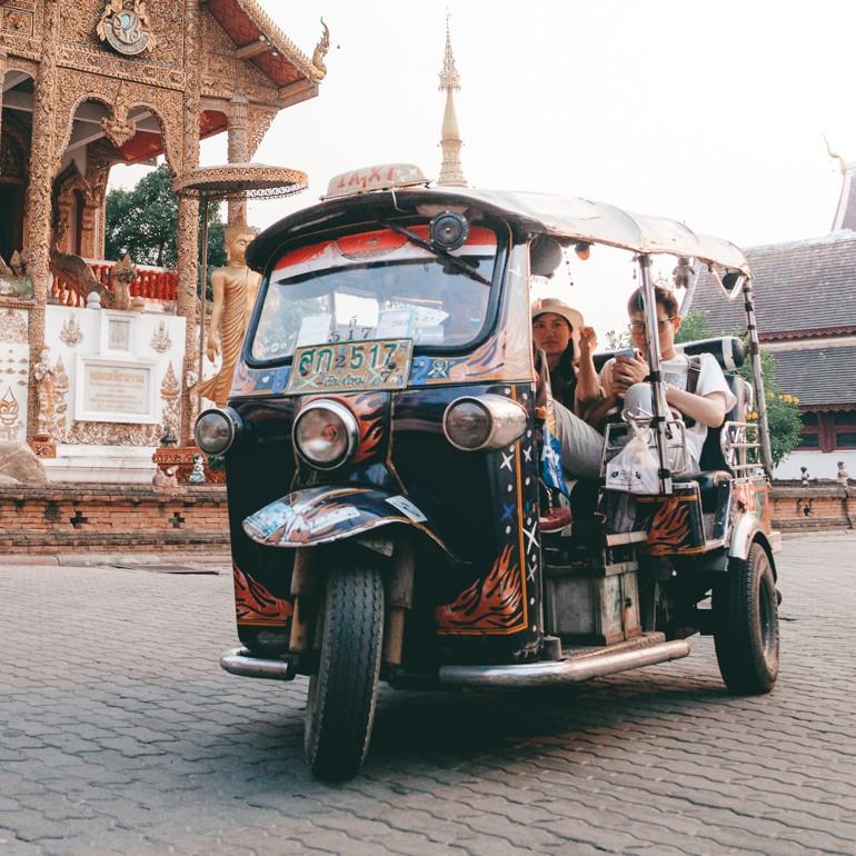 O que fazer em Bangkok - andar de tuk tuk