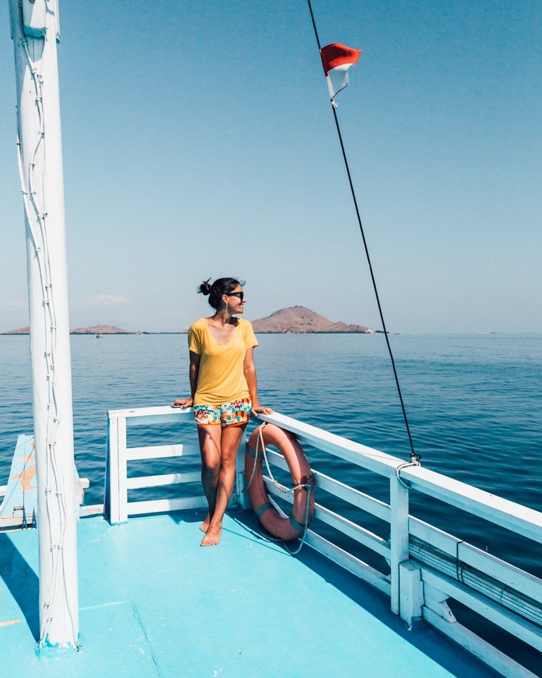 Komodo, Indonésia - barco da flores xp