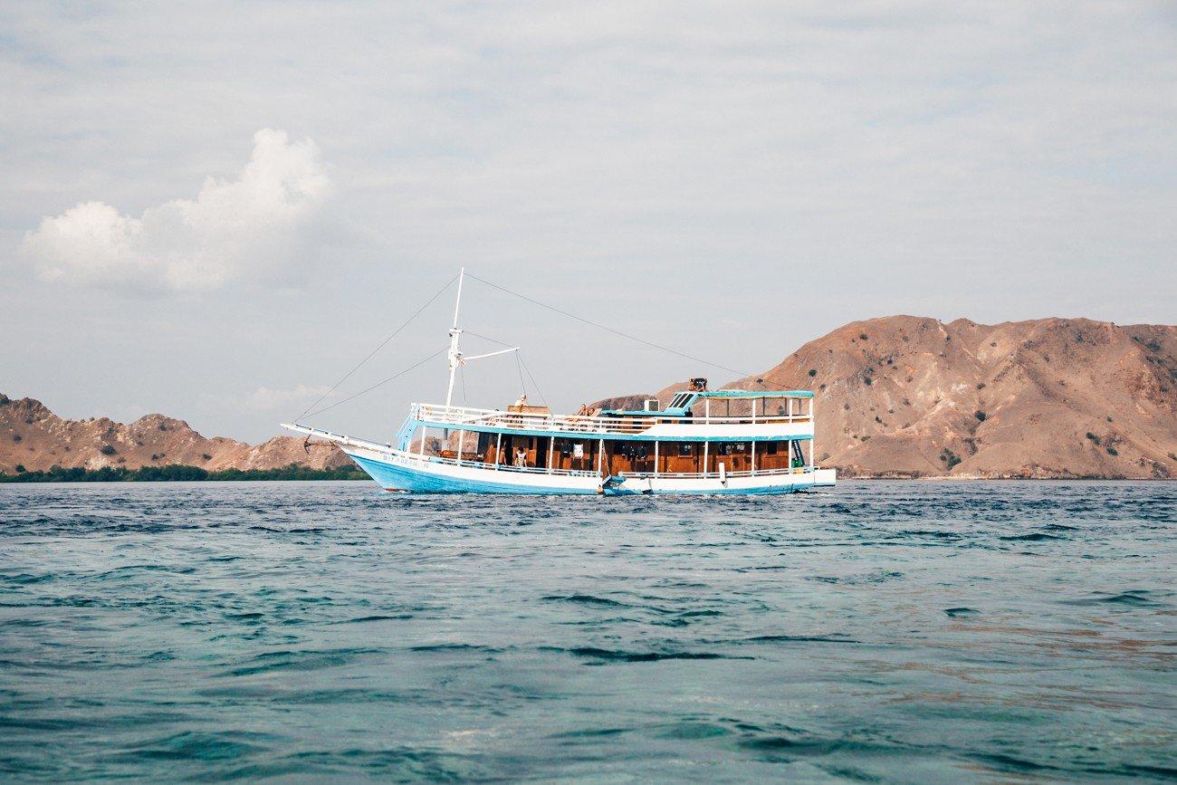 Komodo, Indonésia - Barco da FloresXP
