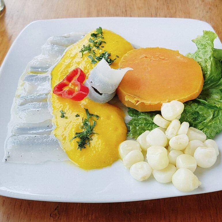 Comida peruana - tiraditos (comida típica do Peru)